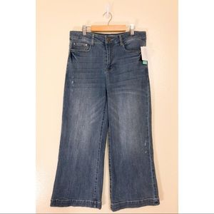 NWT! ABOUND women's VINTAGE CRINKLE wide-leg Jeans